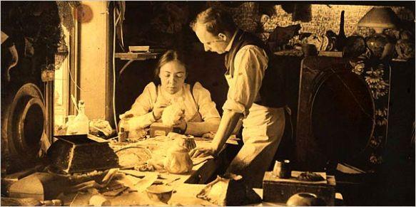 Clara_Driscoll_(Tiffany_glass_designer)_1901